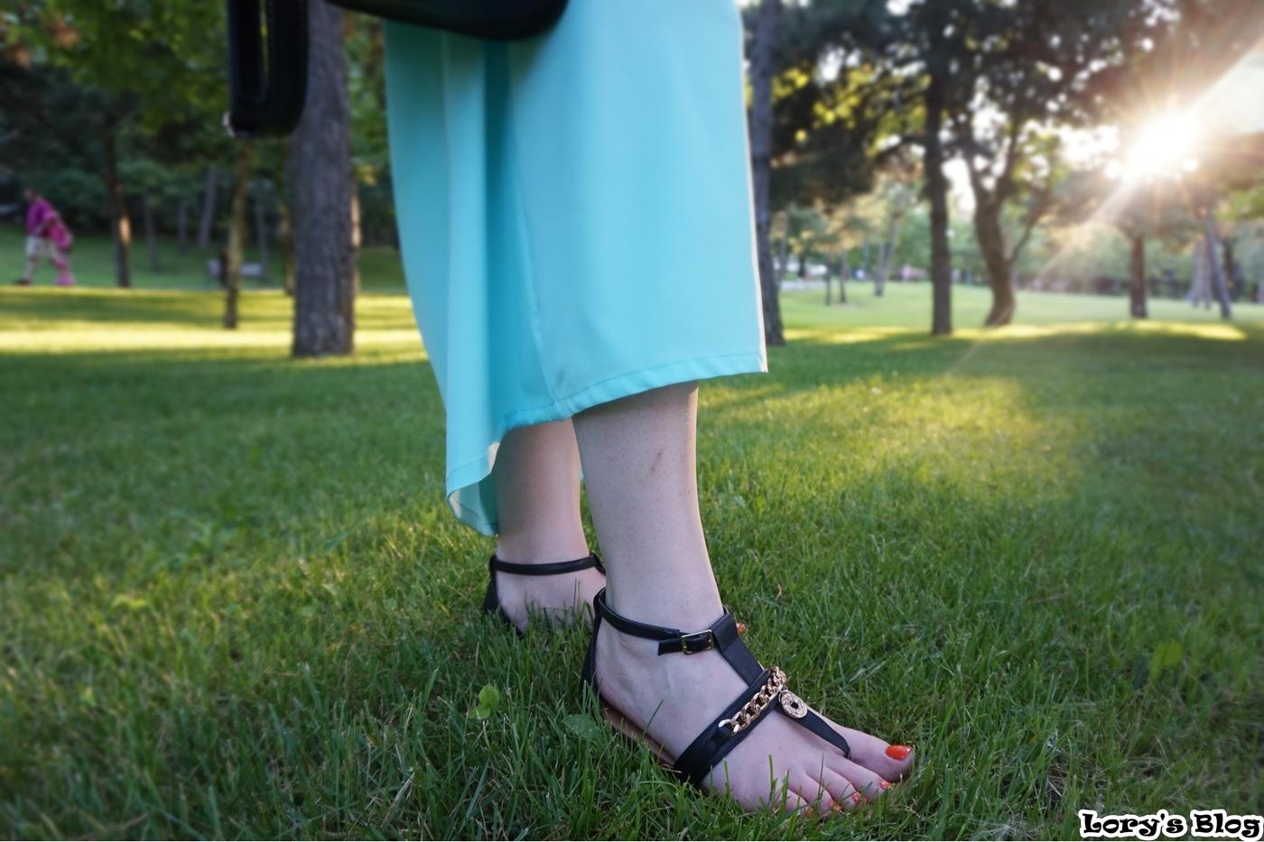 tinuta-rochie-lunga-sandale-negre-Deichamman