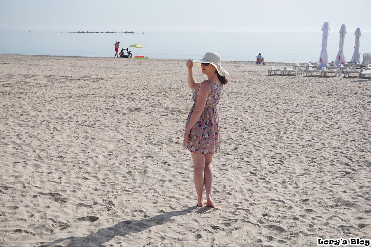 tinuta-de-plaja-dresslink-lorysblog-mamaia-beach