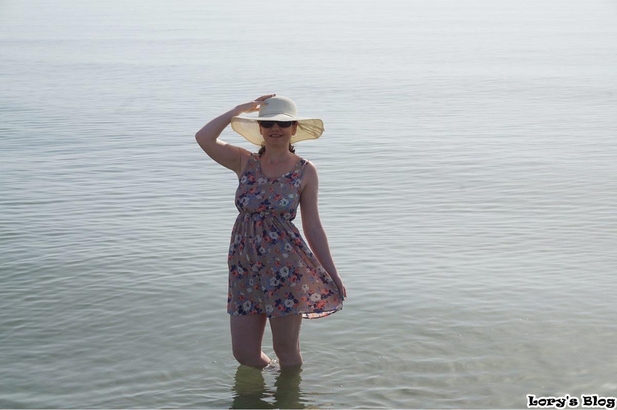 Rochia de la Dresslink, ideală pentru plajă