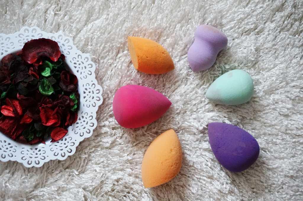 Bureţei de machiaj de tip Beauty Blender – cu bune şi rele